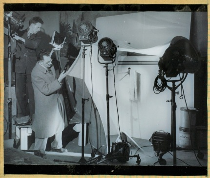 Kenyon working in his studio, c.1945